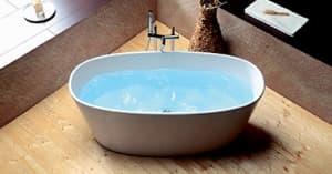 Отдельно стоящие ванны из литьевого мрамора